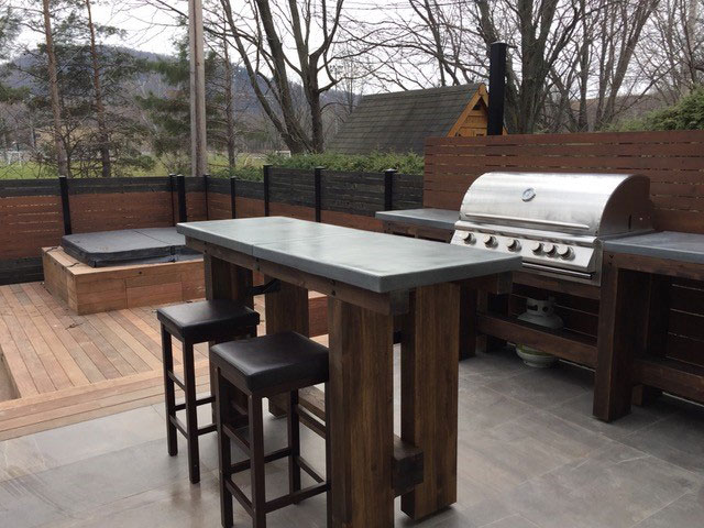 Step 10 for a spa & pool landscaping: outdoor kitchen with dining area